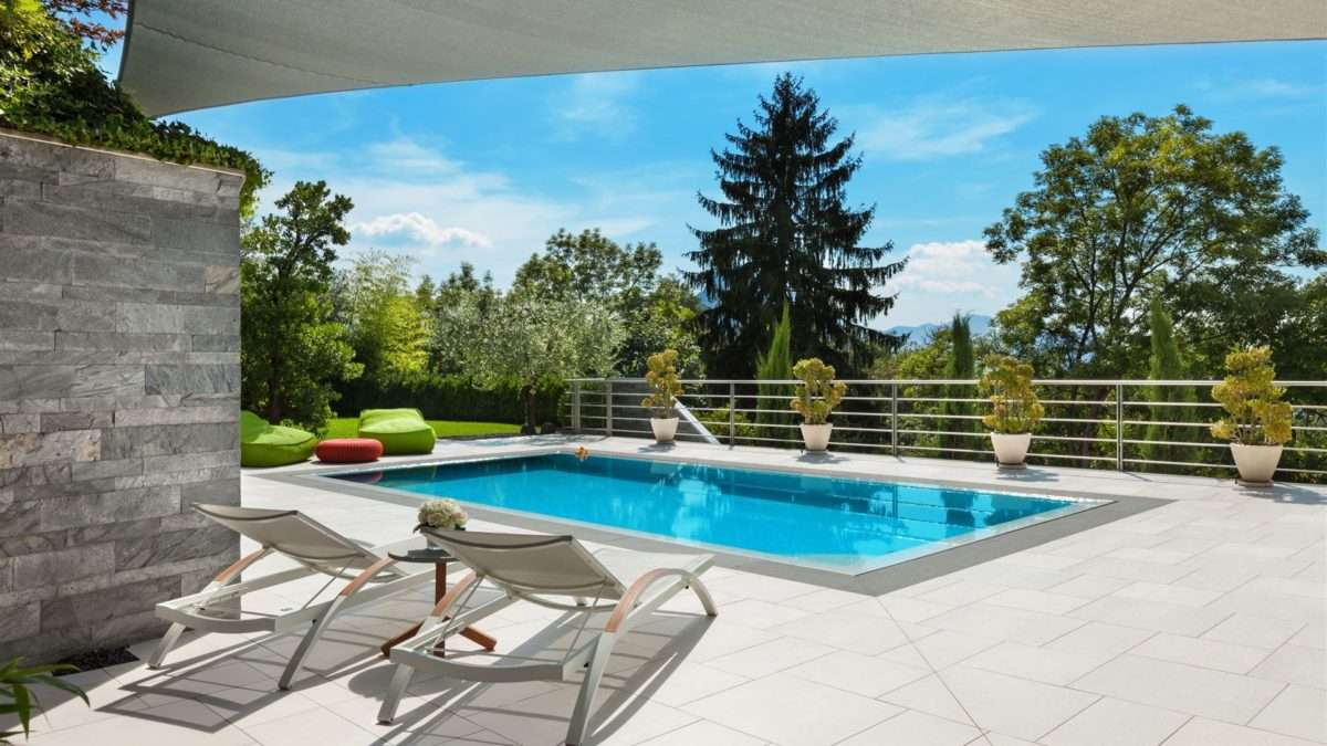 Jak basen kąpielowy może zwiększyć wartość dodaną do Twojego domu