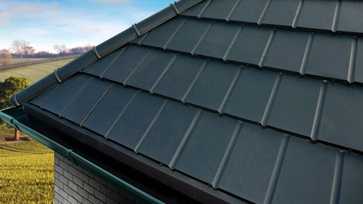 Blachodachówka czy dachówka – jakie pokrycie dachu wybrać?
