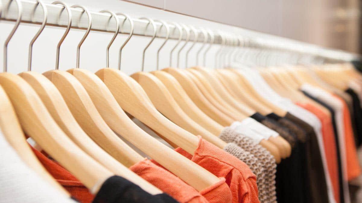 Wieszaki na ubrania – jakie i dlaczego wybrać?