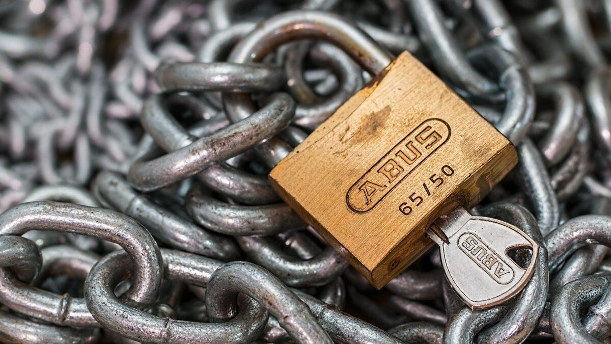 Jak uchronić dom przed włamaniem? Cztery sposoby