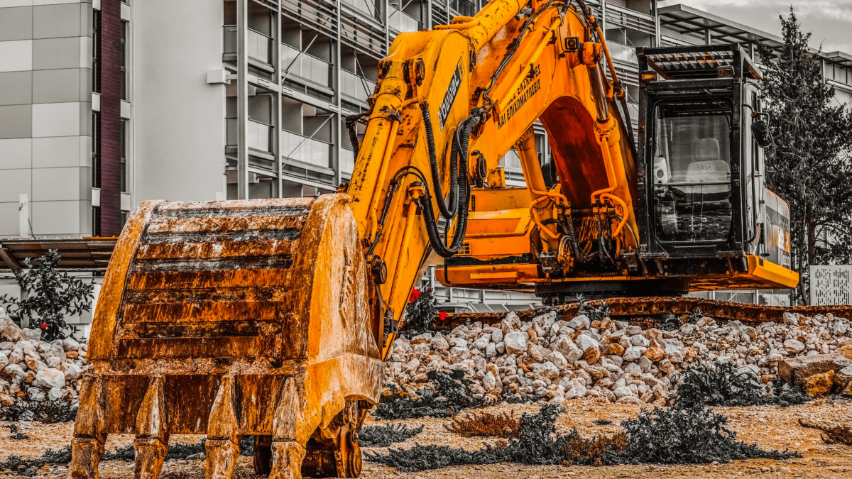 Najczęstsze usterki maszyn budowlanych