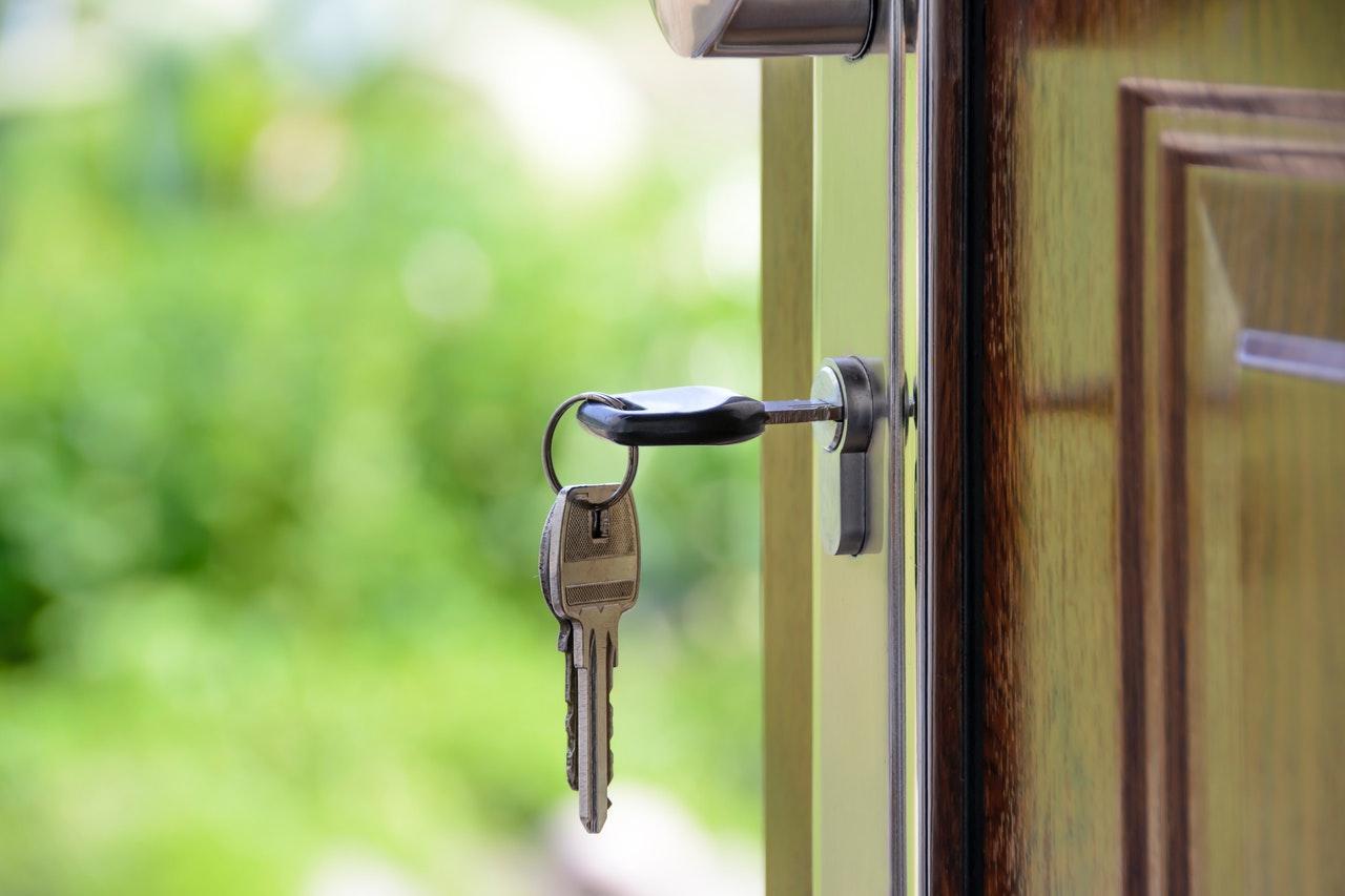 Jak wyregulować drzwi zewnętrzne