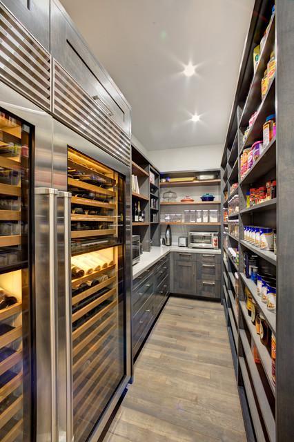spiżarnia i lodówki na wino