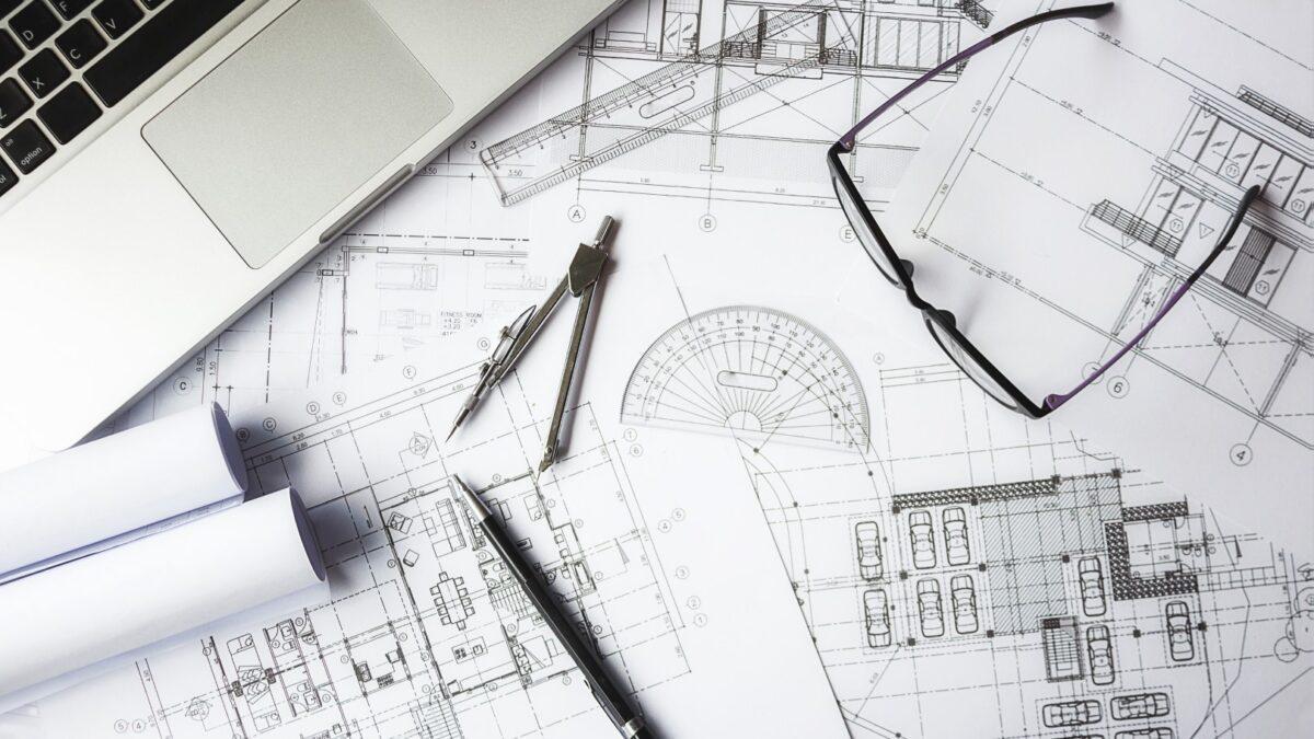 Czym kierować się przy wyborze projektu domu? Koszty projektu i innych aspektów budowy